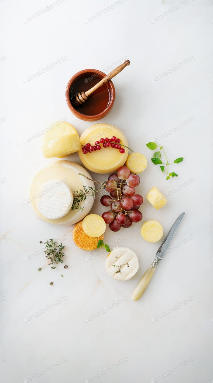 Traditional Portuguese semi-soft cheeses