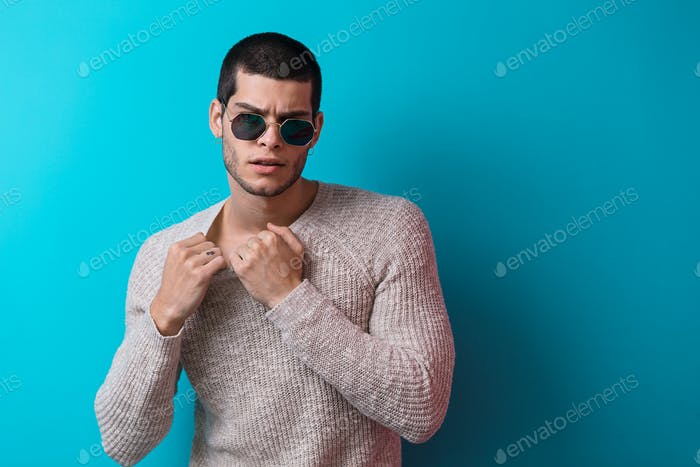 Handsome man portrait wearing sunglasses