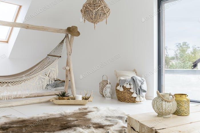 Room with hammock