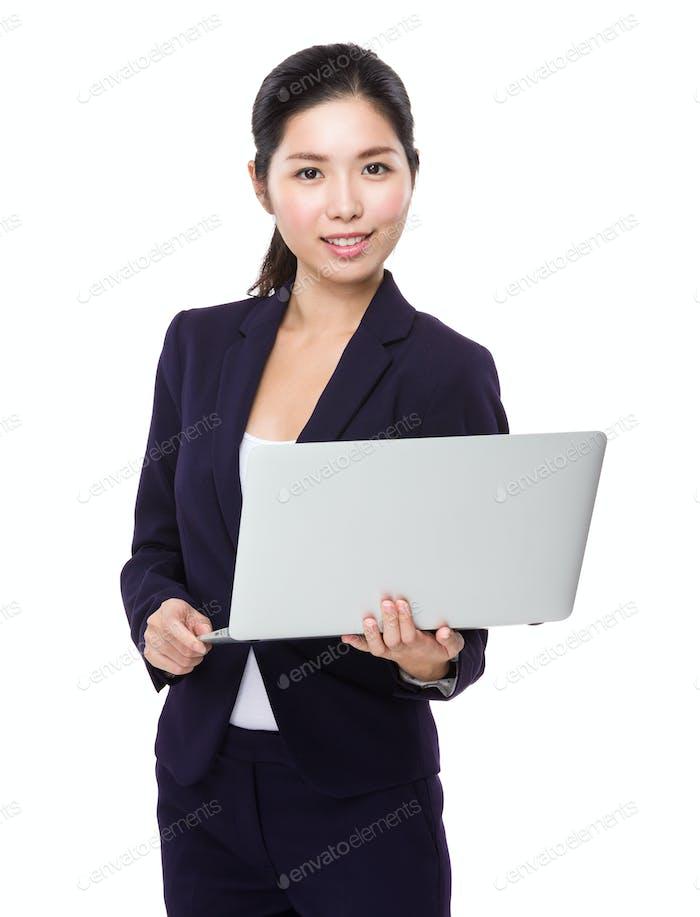 Businesswoman use of laptop