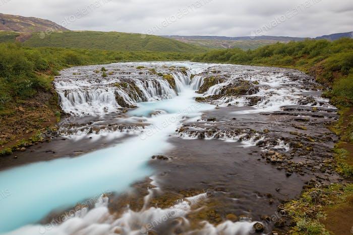 Bruarfoss Wasserfall im Sommer, Island