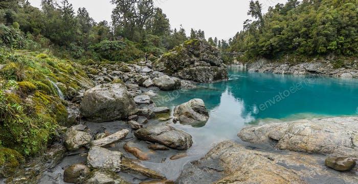 Blaues Wasser und Felsen des Hokitika Gorge Scenic Reserve, Süd