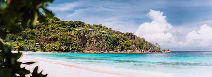 Erstaunlicher Petite Anse Strand. Urlaub Flitterwochen auf der Luxusresort Insel Mahe Seychellen