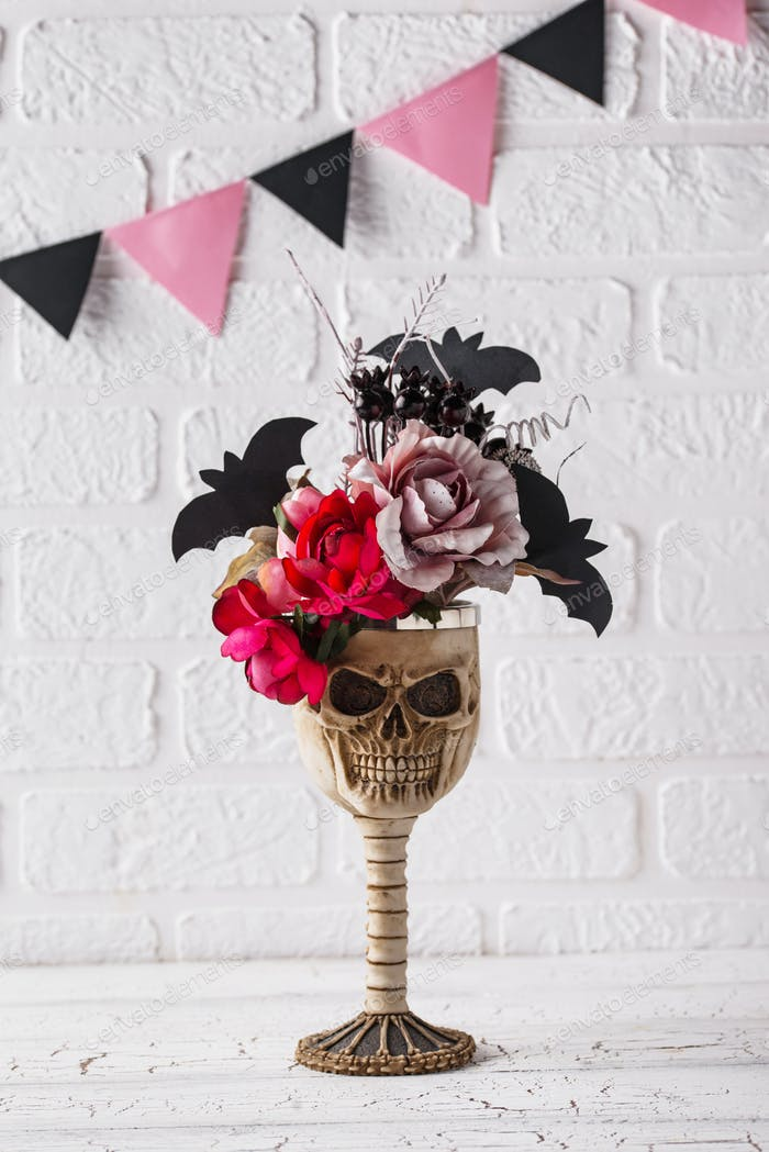 Skull bowl with pink flower