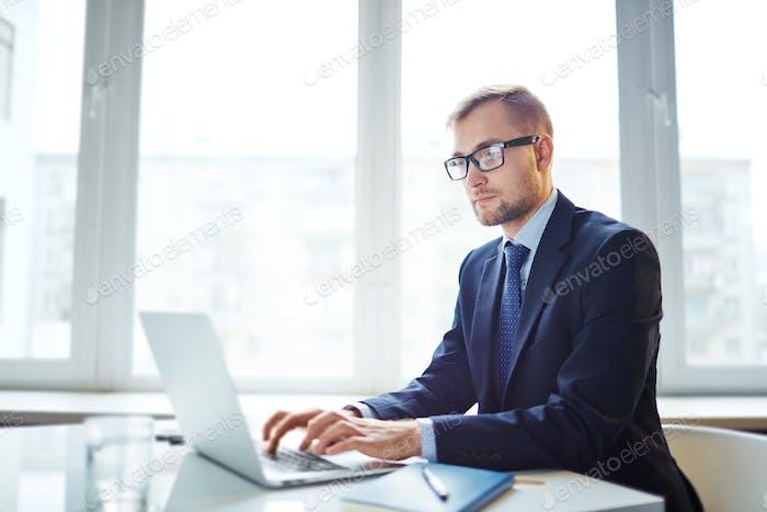 Empleo en línea