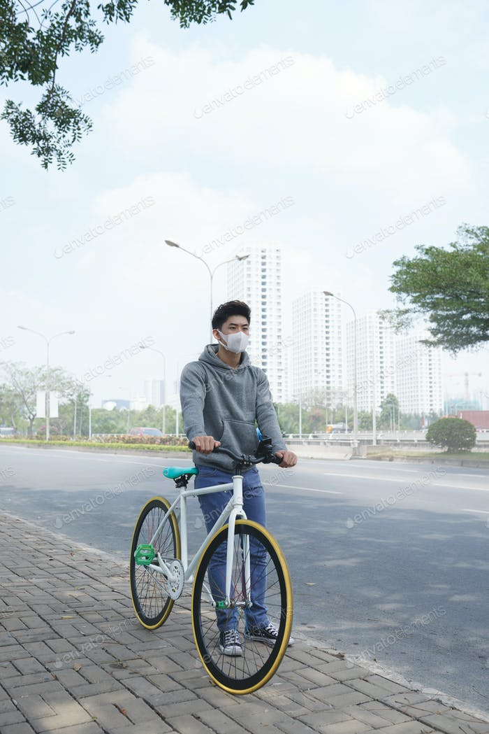 Cycling in polluted city