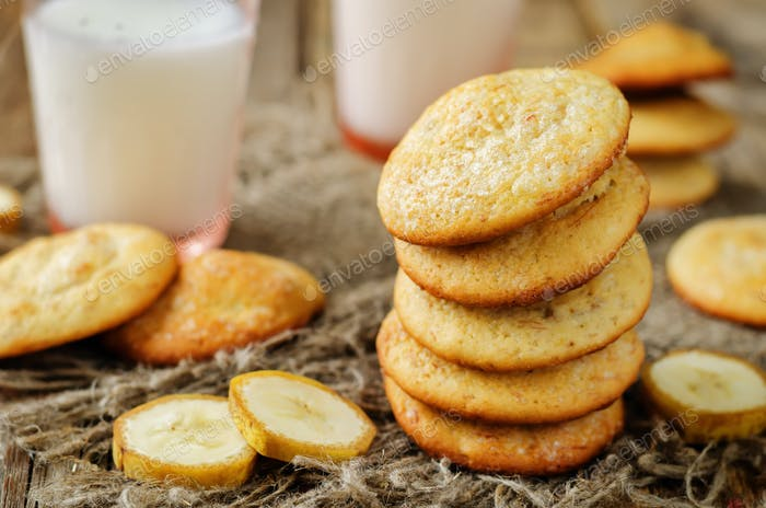 Banana cookies with milk and banana slices