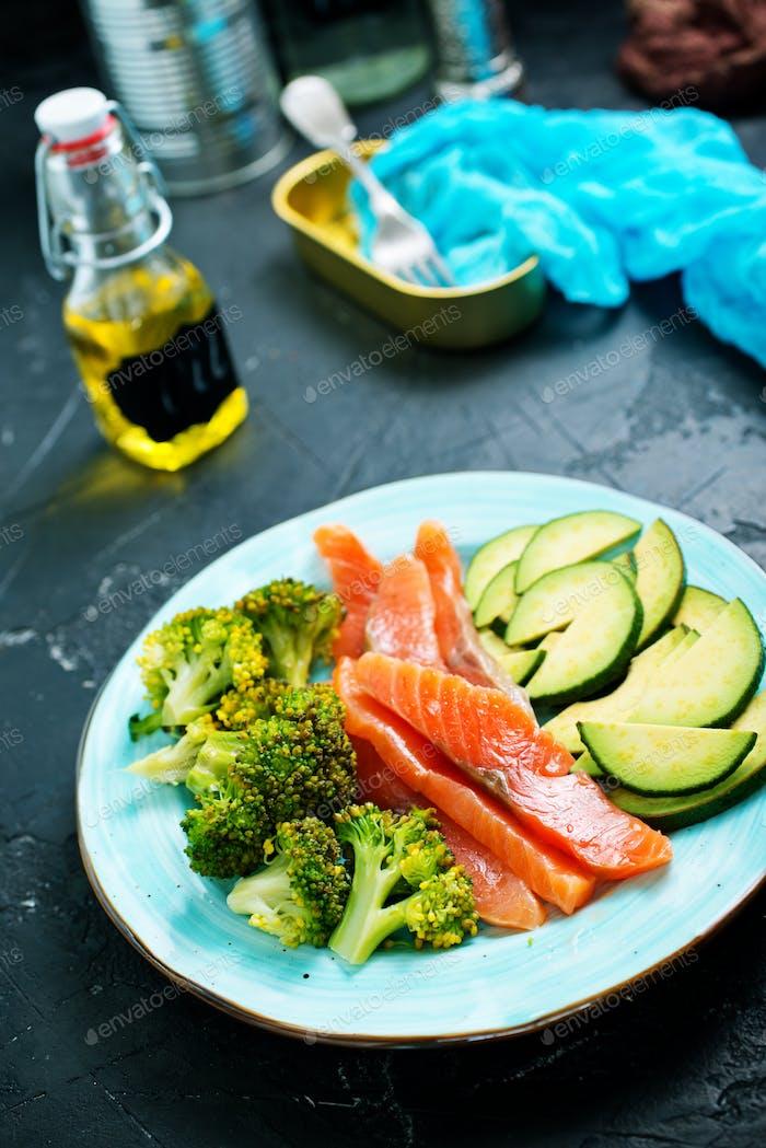 Lachs mit Gemüse