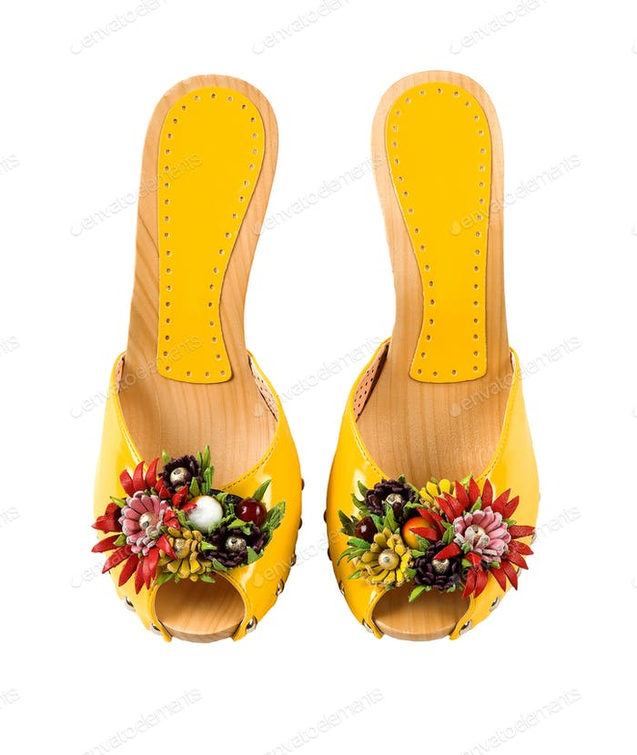 Wooden wedge yellow patent leather artisan fruits and flowers sa