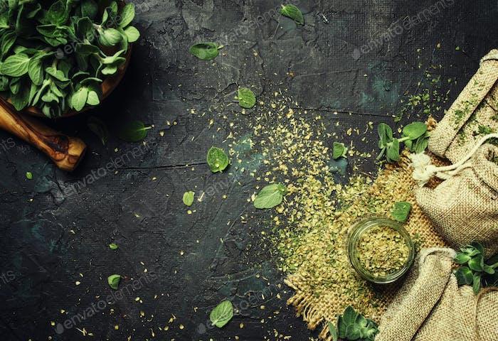 Dried ground oregano