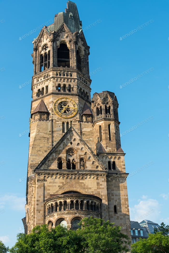 Die beschädigte Kirche von Berlin