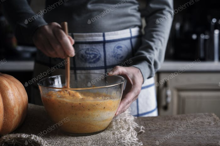 Process of making dough for dump cake in the glass bowl