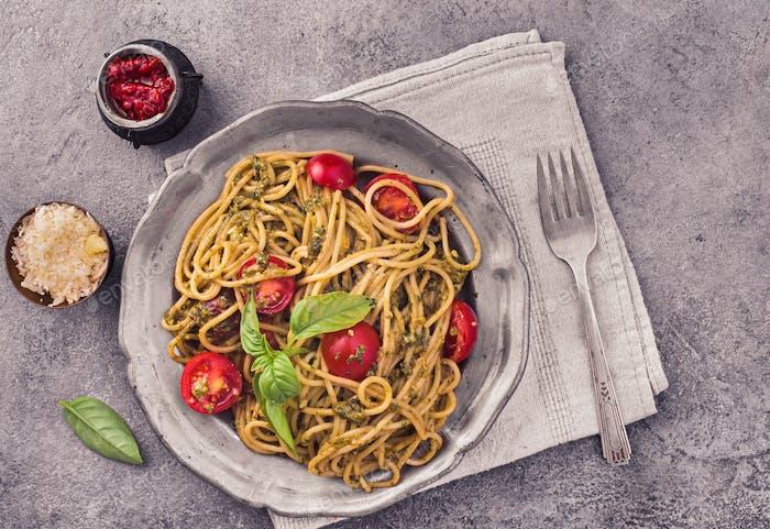 Spaghetti pasta with pesto