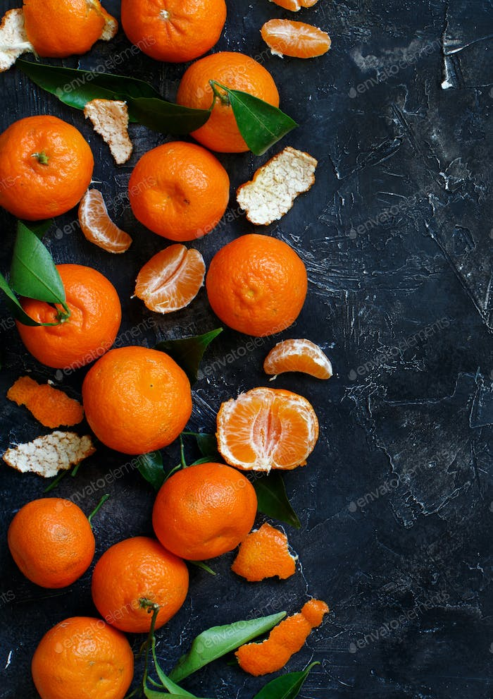 Mandarins with leaves