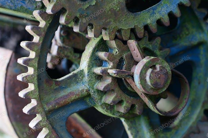 Detail of the old broken mechanism