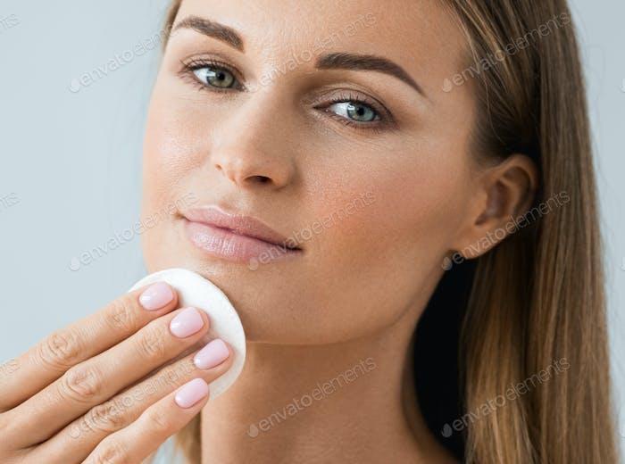 Skin care woman face healthy skin beauty
