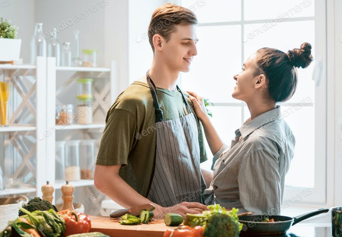 couple is preparing the proper meal