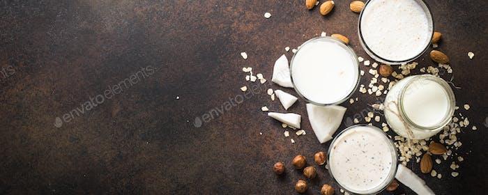 Vegane Nicht-Milchprodukte Alternative Milch, Nüsse und Hafermilch Top View