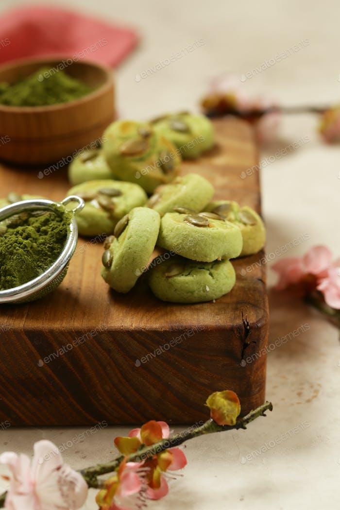 Grüne Kekse mit Matcha Tee