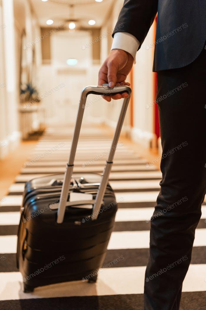 Ernte Unternehmer im Hotelflur