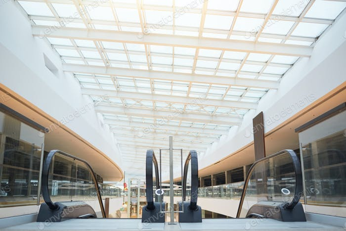 Modern Shopping Mall Architecture