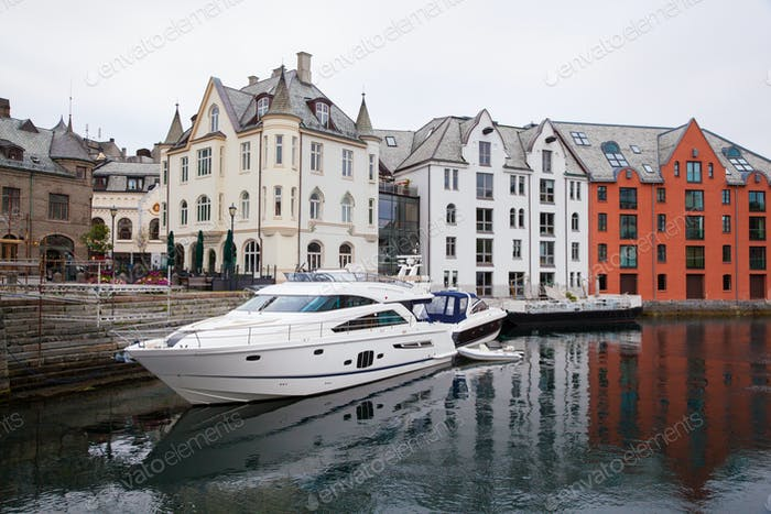Häuser von Alesund Stadt Norwegen
