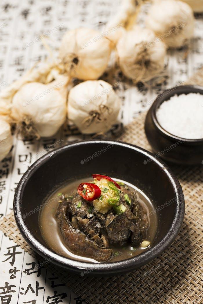 Koreanische Küche: Gesalzener fermentierter Fisch/Meeresfrüchte