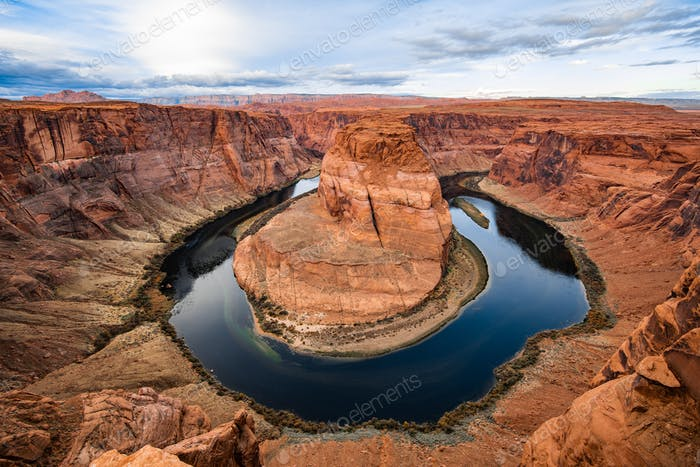 Horseshoe bend canyon giant stone loop panoramic view, looking down at Colorado river bend and red