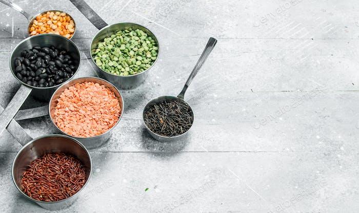 Organic food. Various legumes .
