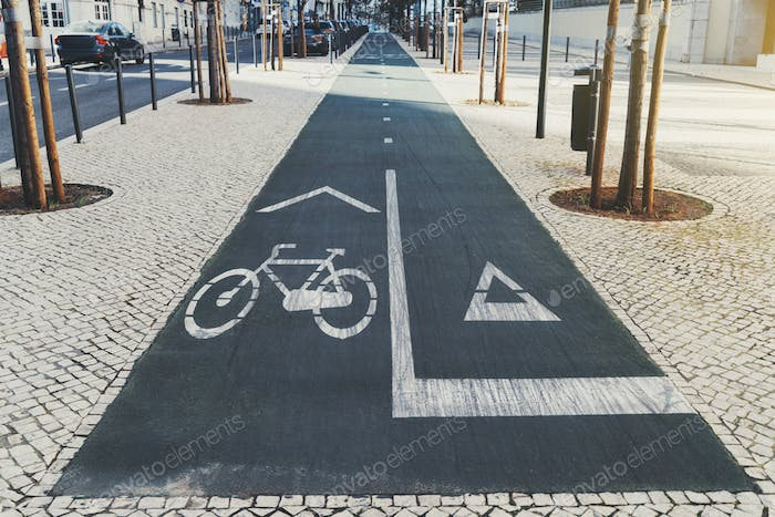 Bicycle and running tracks, marking