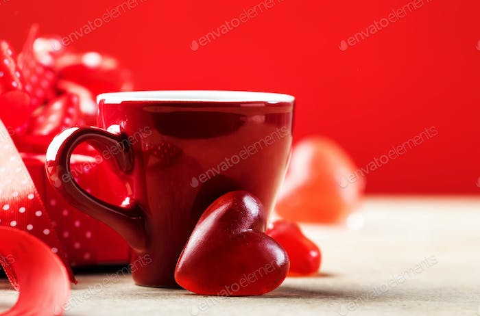 Cups of tea or coffee with heart