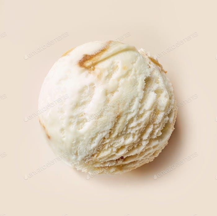 карамельный и ванильный шар мороженого