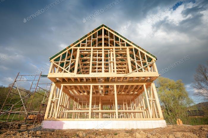 Wohnhaus Bau, Rahmen Holzhaus im Freien