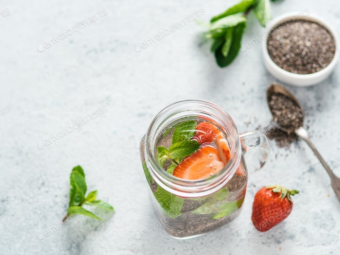 strawberry and mint chia water in mason jar