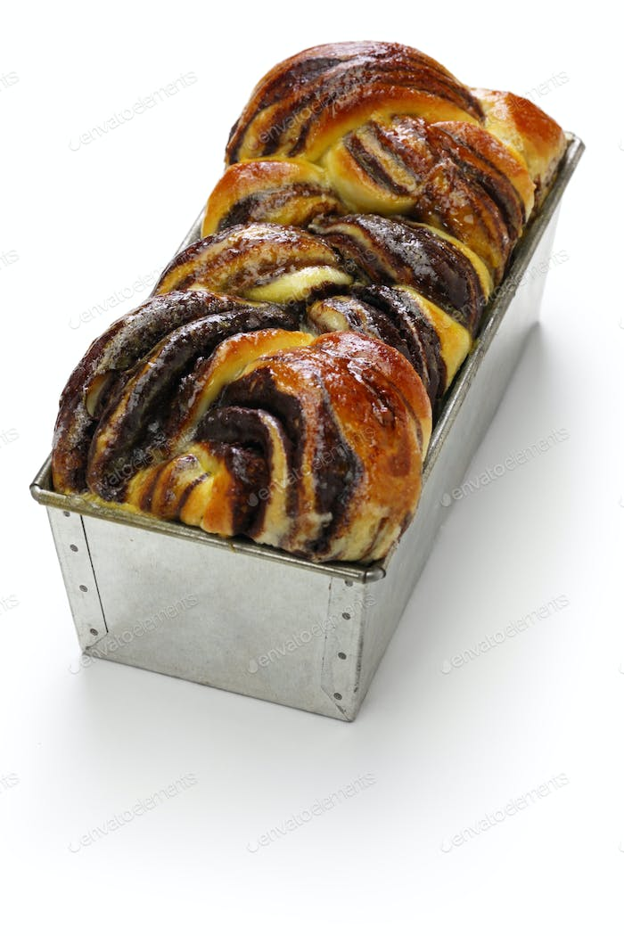 homemade chocolate babka