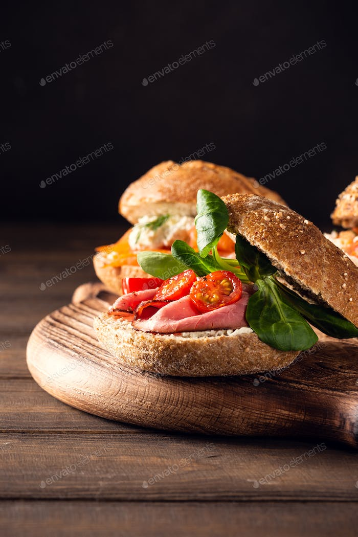 Sandwiche with beef and fresh tomatoes