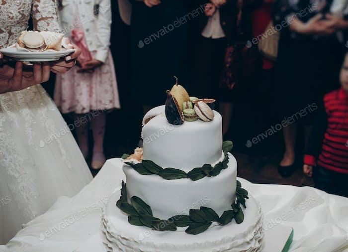 Stilvolle Hochzeitstorte