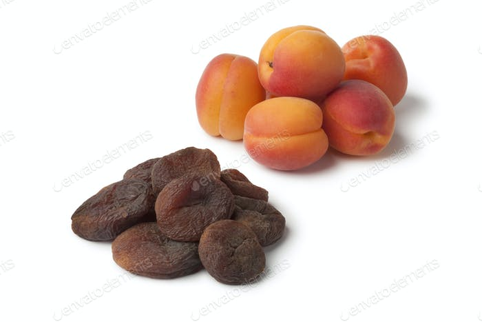 Healthy fresh and sun dried apricot fruit
