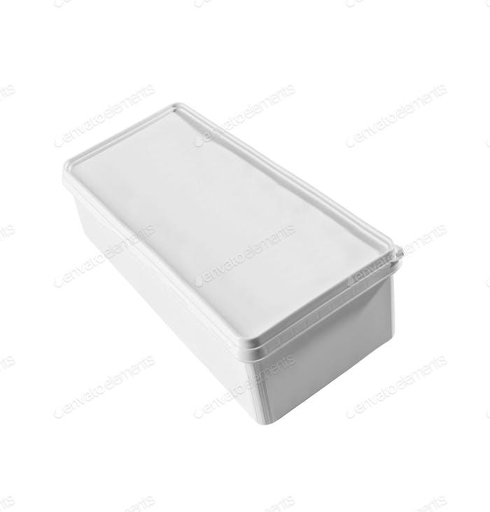 Kunststoff-Lebensmittelbox isoliert auf weißem Hintergrund