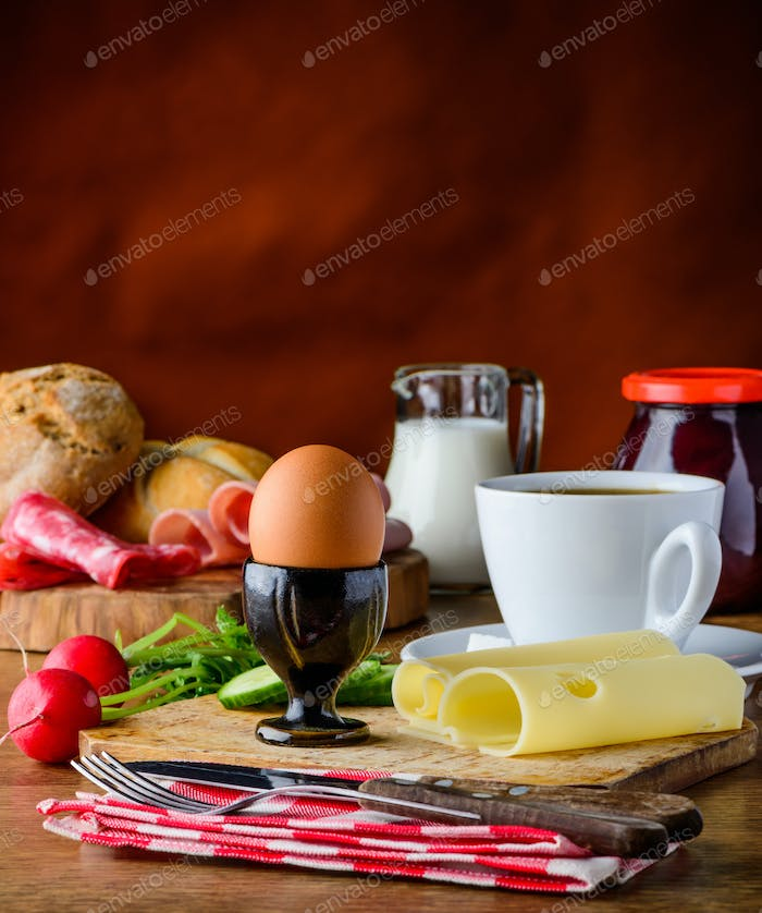 Healthy Breakfast with Egg and Cheese