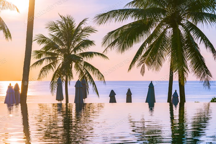 Beautiful outdoor nature landscape with sea ocean and coconut pa
