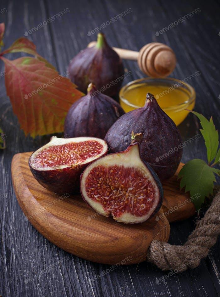 Fresh ripe figs and honey