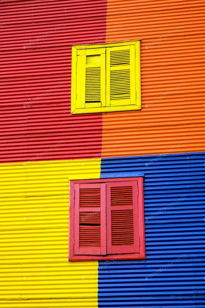 Eine der bunten Fassaden von La Boca