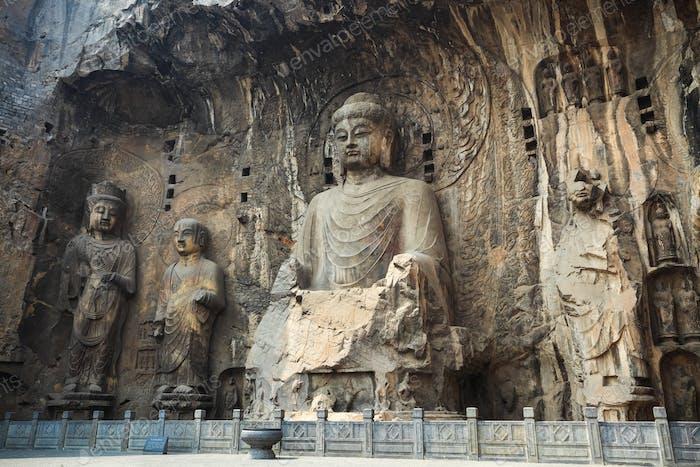 locana buddha statue niche