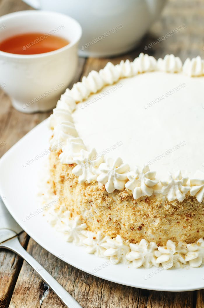 Sponge cake with butter cream