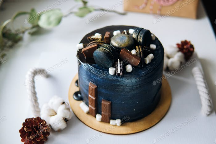 beautiful designer chocolate cake