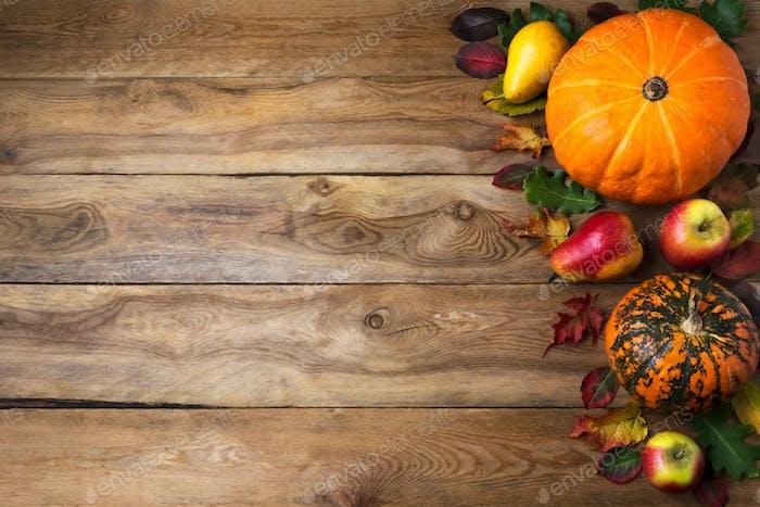 Herbst rustikalen Hintergrund mit Kürbis, Birne, Kopierraum