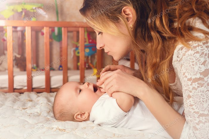 Harmonie und Liebe zwischen Mutter und Sohn