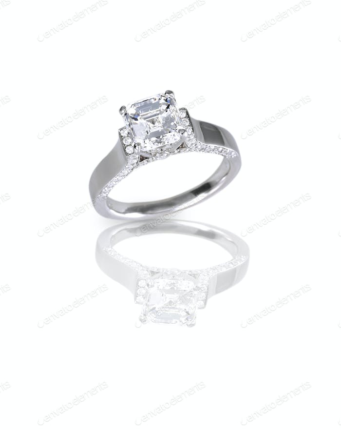 Beautiful Ascher Cut diamond engagement wedding ring