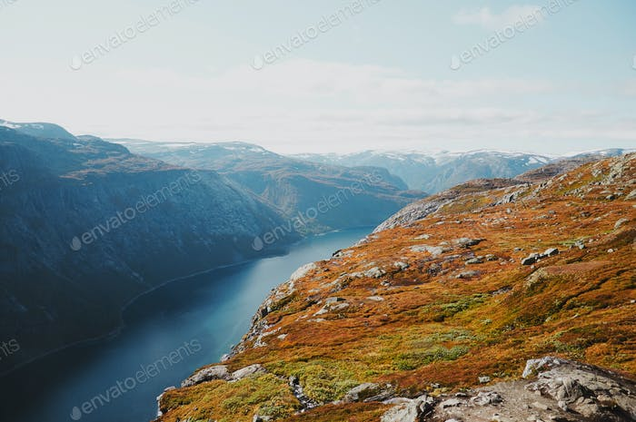 Atemberaubende Aussicht auf den skandinavischen Nationalpark
